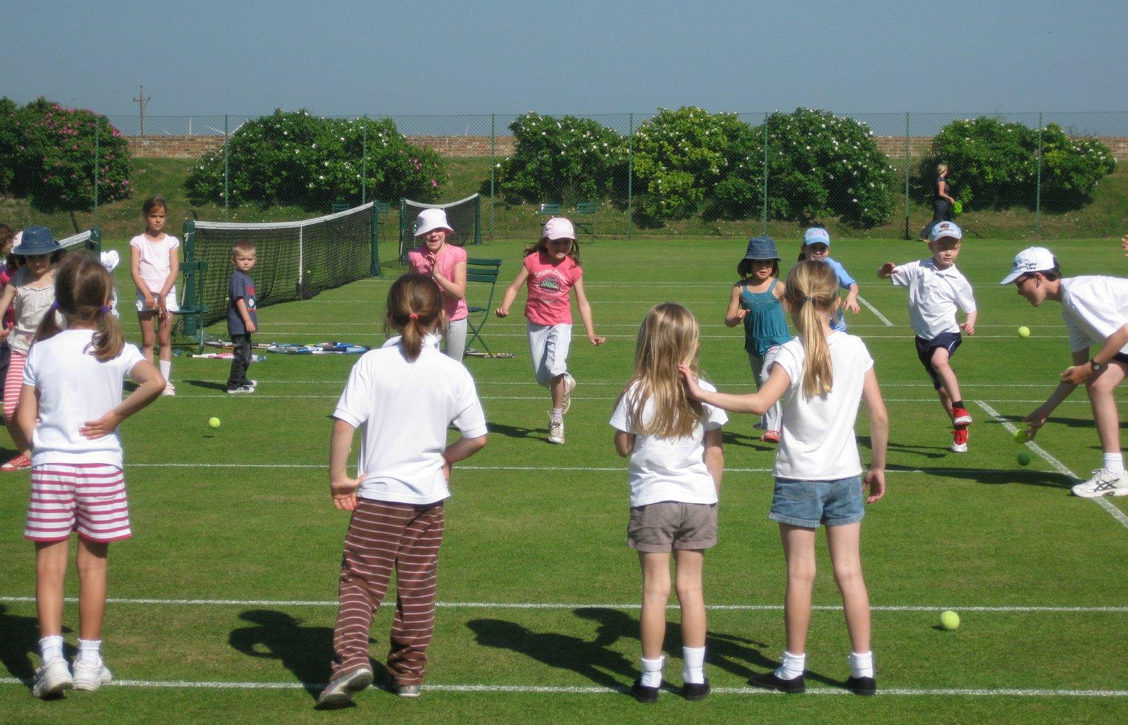 http://www.ryetennisandsquashclub.org.uk/wp-content/uploads/2019/04/KidsCoaching.jpeg